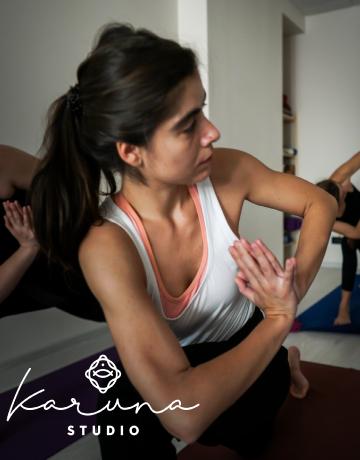 Elena Hera instructor yoga