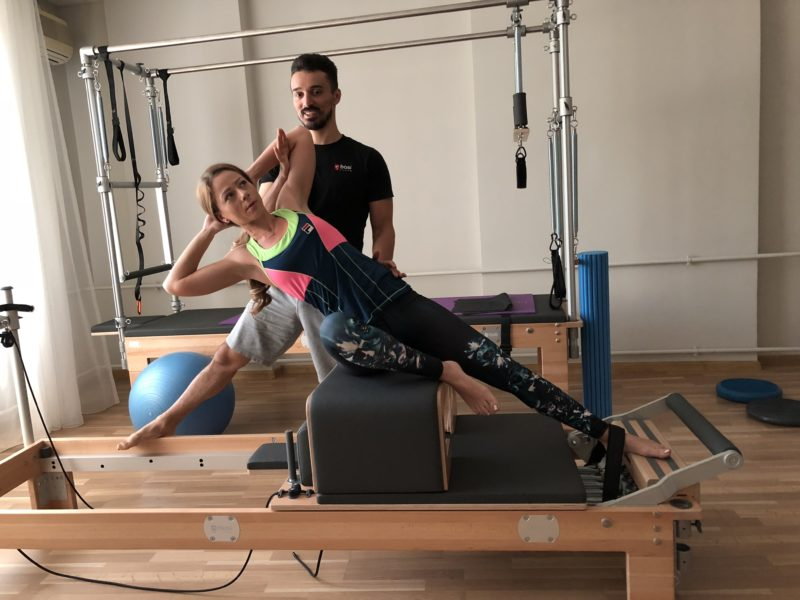 corectura posturii prin exercitii de pilates