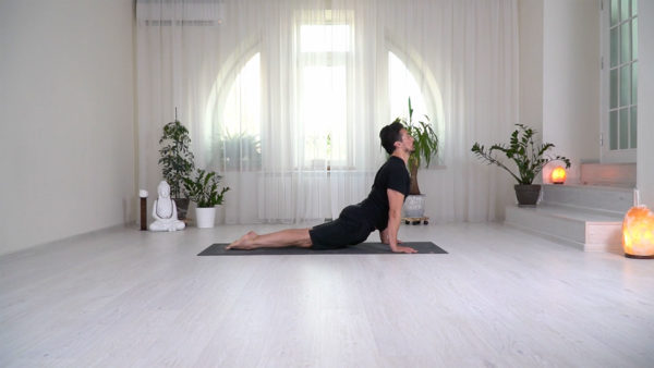 Power Yoga cu Ovidiu